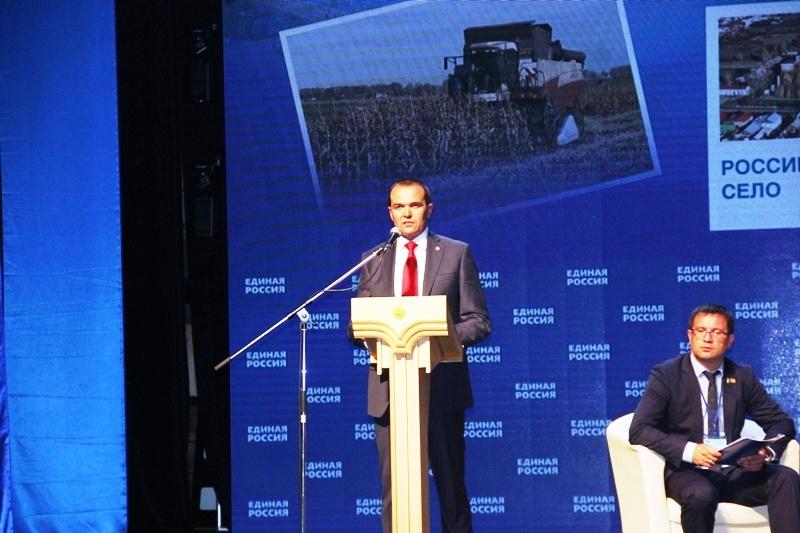 «Наша задача в конкурентной политической борьбе  — убедительно победить на предстоящих выборах!» —  Михаил Игнатьев